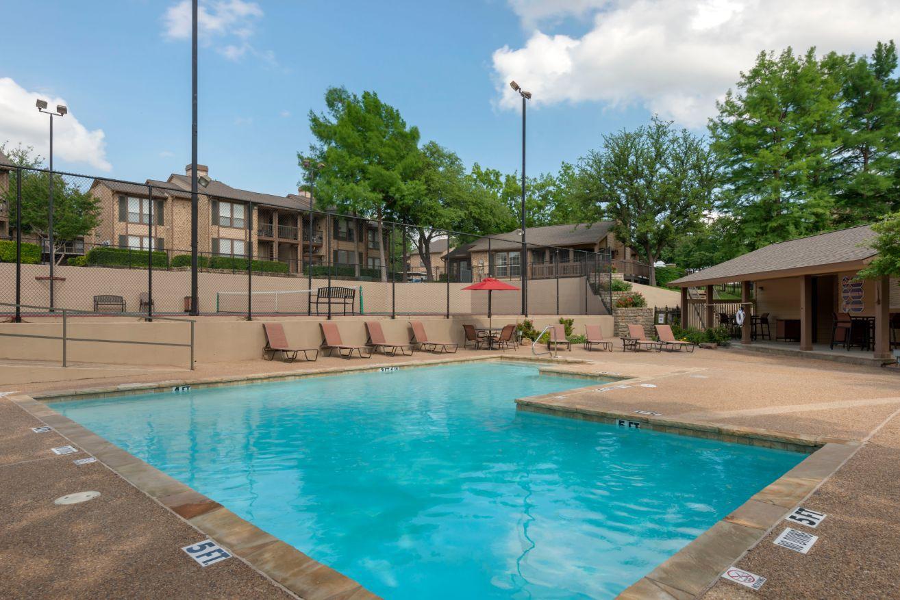 Live at Canyon Ridge Apartments