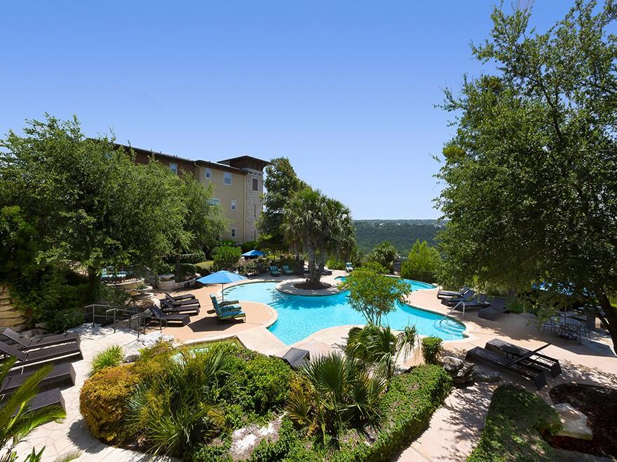 Apartments Near UT Austin 10X Living at Grandview for University of Texas - Austin Students in Austin, TX