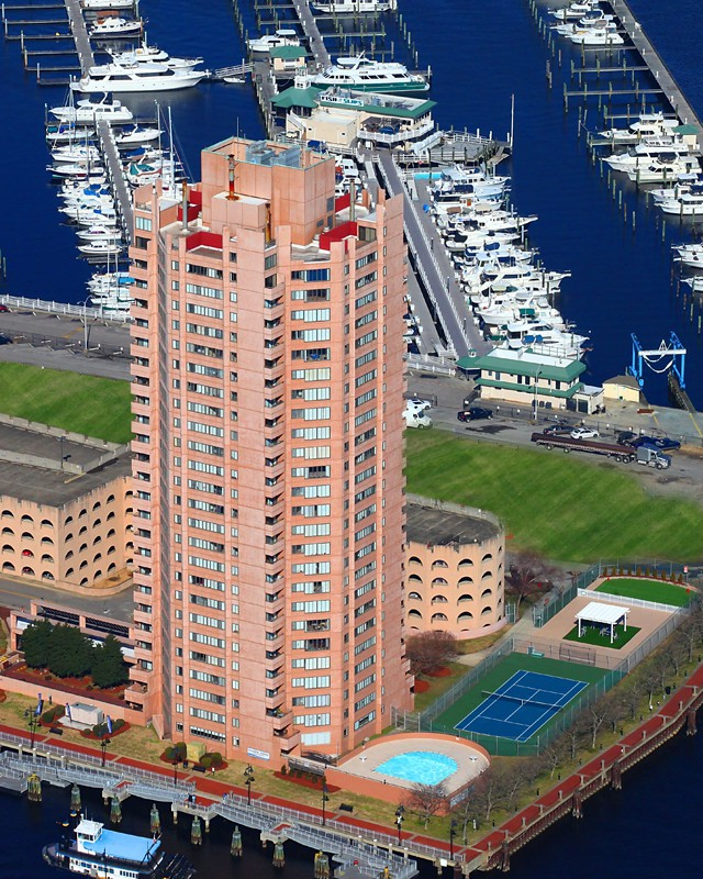 Apartments Near Virginia Wesleyan Harbor Tower Apartments for Virginia Wesleyan College Students in Norfolk, VA