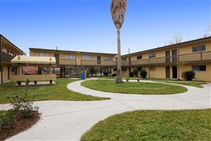 Apartments Near UH 5610 Royal Palms (Garden Oaks) for University of Houston Students in Houston, TX