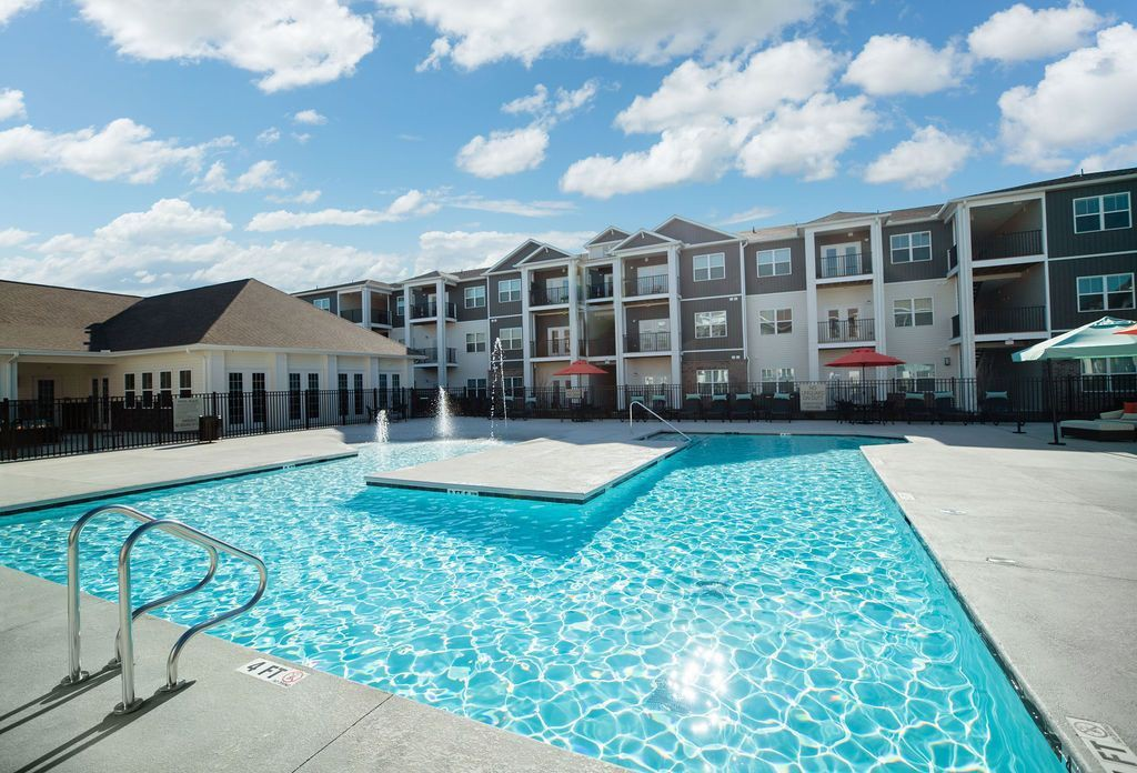 Apartments Near Roanoke District Vue for Roanoke College Students in Salem, VA