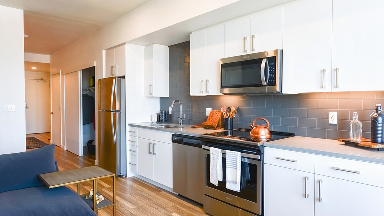 Apartments Near Lewis & Clark Modera Buckman for Lewis & Clark College Students in Portland, OR