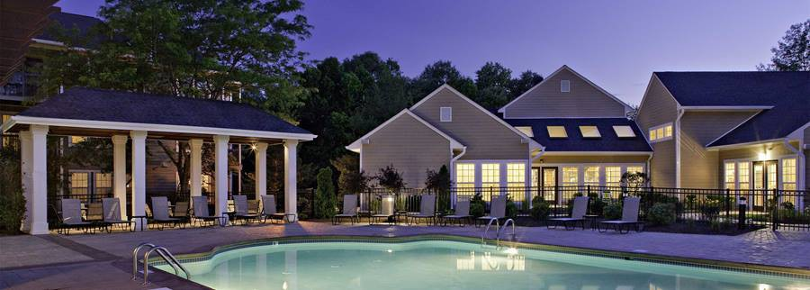 Apartments Near MCCC Avalon Princeton Junction for Mercer County Community College Students in West Windsor, NJ