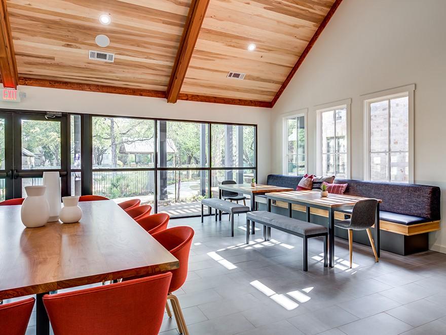 Apartments Near UT Austin Riata for University of Texas - Austin Students in Austin, TX