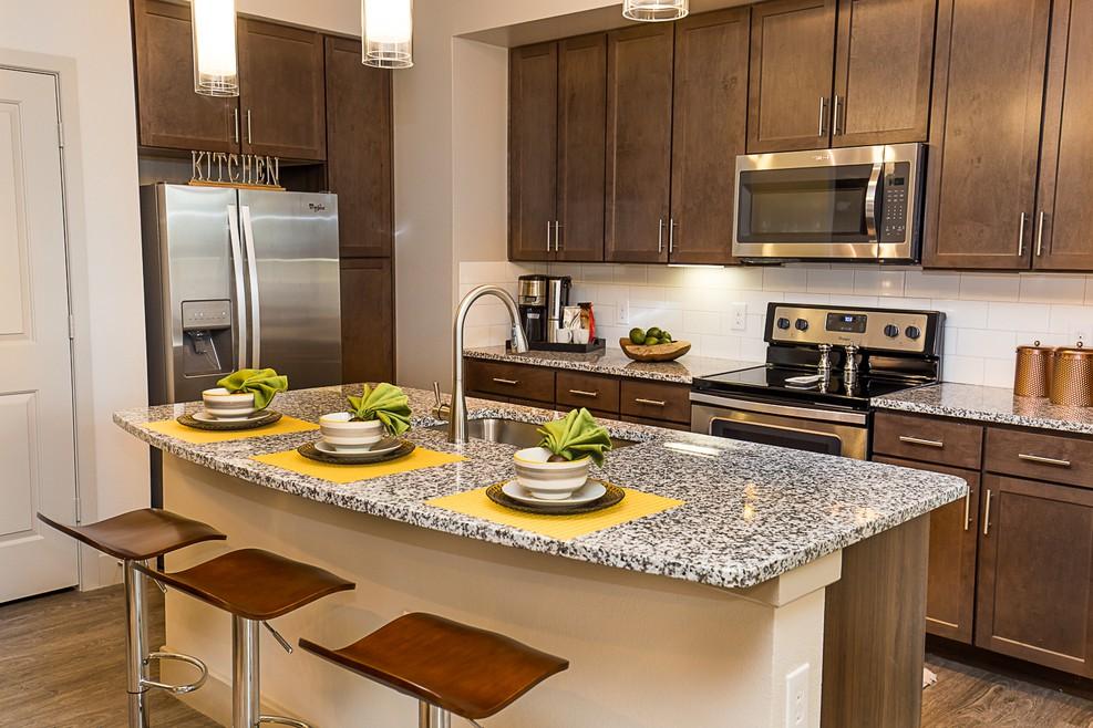 Apartments Near ITT Technical Institute-Houston North Kings Landing Luxury Homes for ITT Technical Institute-Houston North Students in Houston, TX