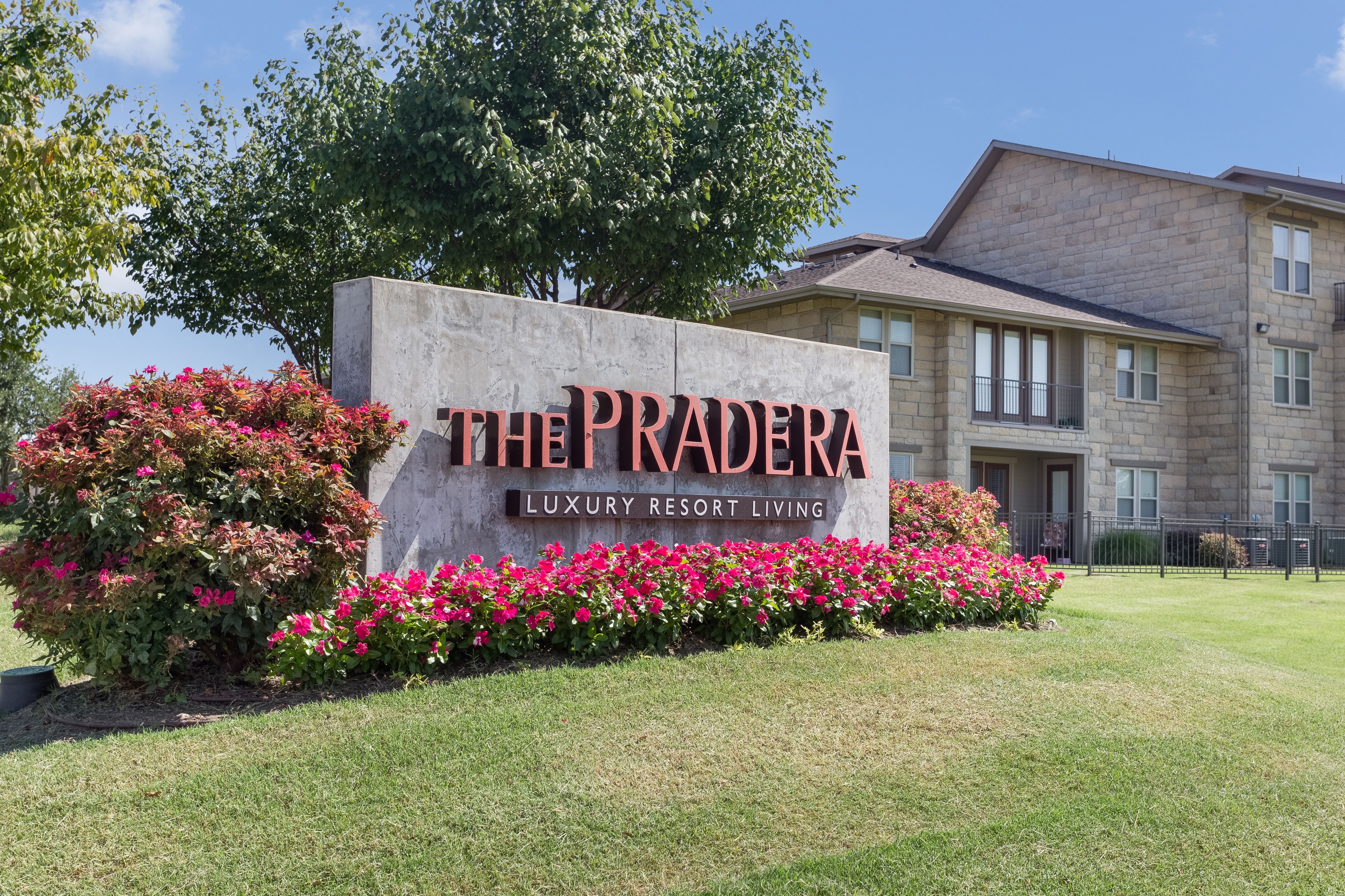 Apartments Near UT Dallas The Pradera for University of Texas at Dallas Students in Richardson, TX