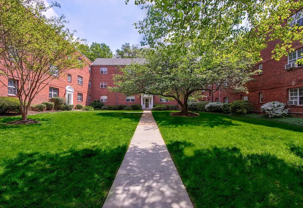 Washington and Lee Apartments