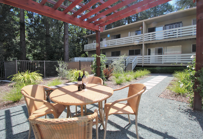 Live at Redwood Creek Apartments