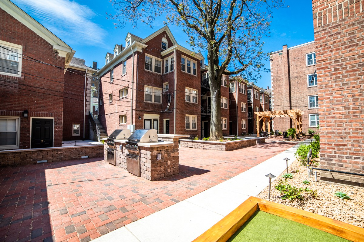Apartments Near Butler Buckingham & Balmoral for Butler University Students in Indianapolis, IN