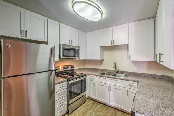 Apartments Near MiraCosta El Norte Villas for Mira Costa College Students in Oceanside, CA