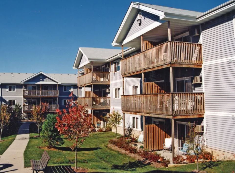 Apartments Near Drake Cross Creek for Drake University Students in Des Moines, IA