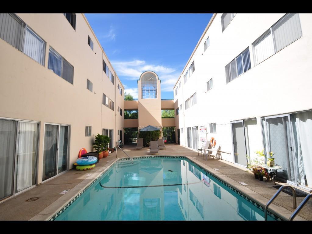 Casa Linda Apartments