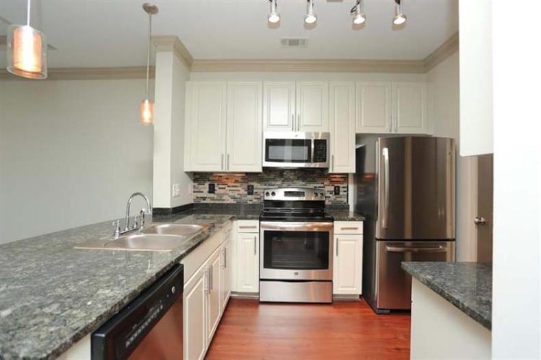 Apartments Near Oglethorpe Brookleigh Flats for Oglethorpe University Students in Atlanta, GA