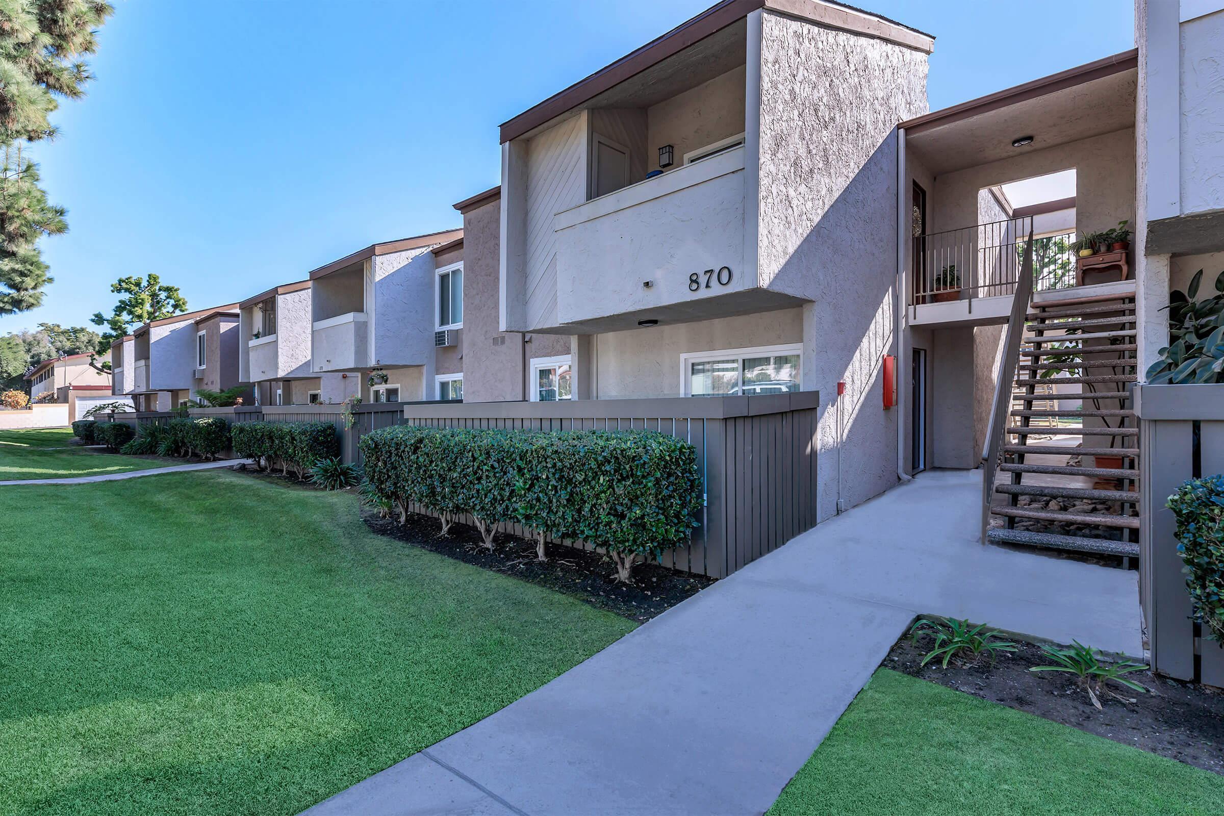 Apartments Near Claremont Plum Tree for Claremont McKenna College Students in Claremont, CA