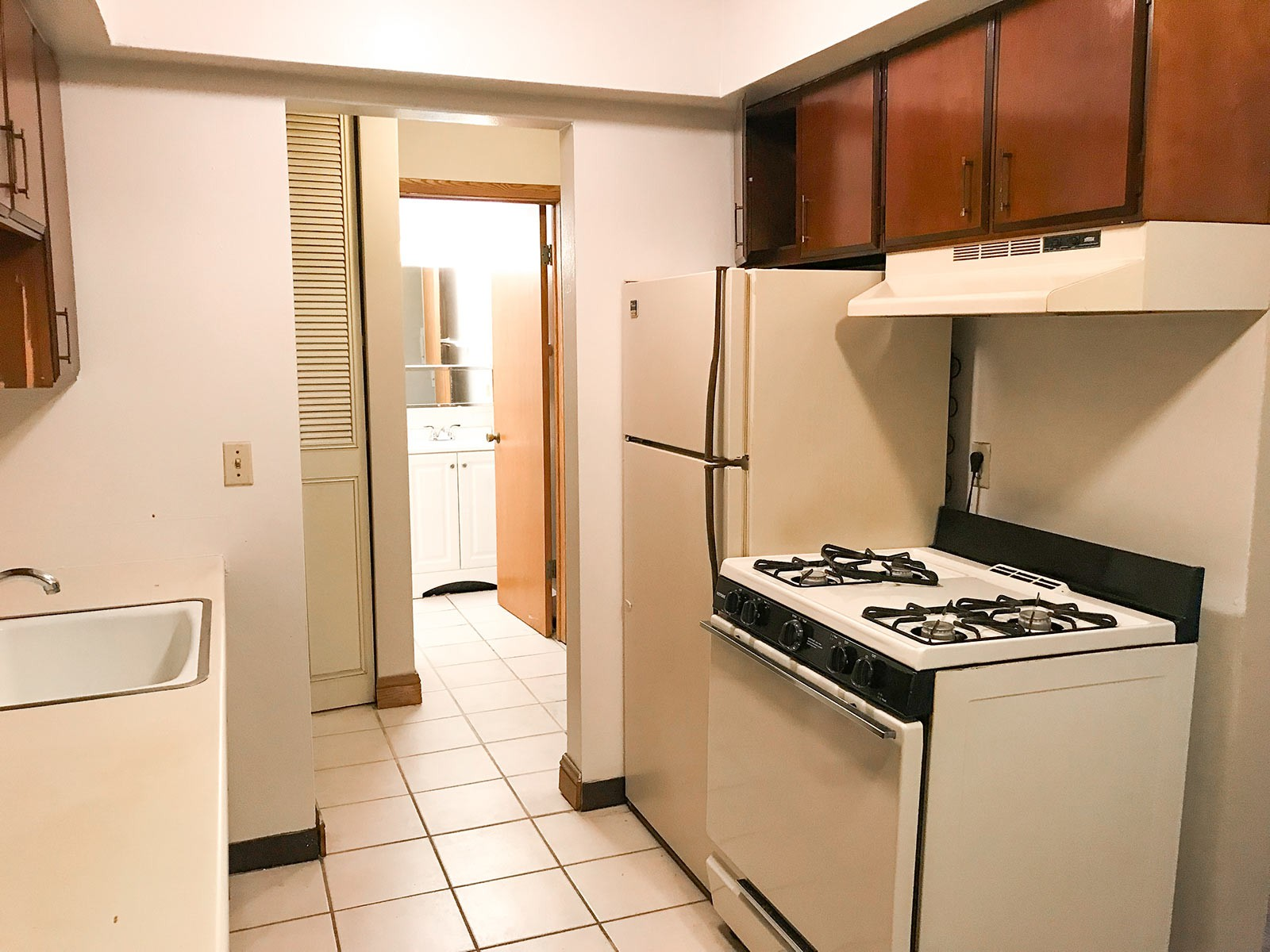 Apartments Near MATC 2131 N. Summit for Milwaukee Area Technical College Students in Milwaukee, WI