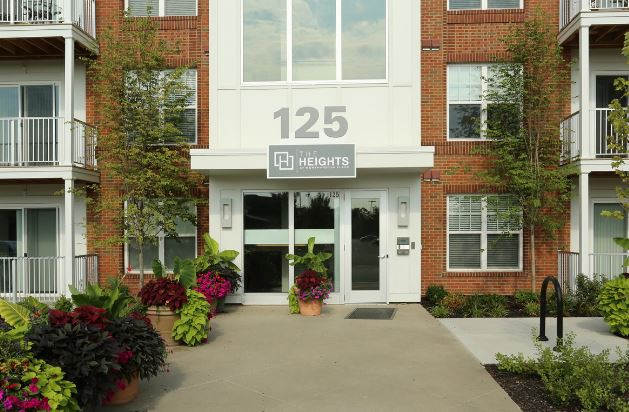 Apartments Near OWU The Heights at Worthington Place for Ohio Wesleyan University Students in Delaware, OH