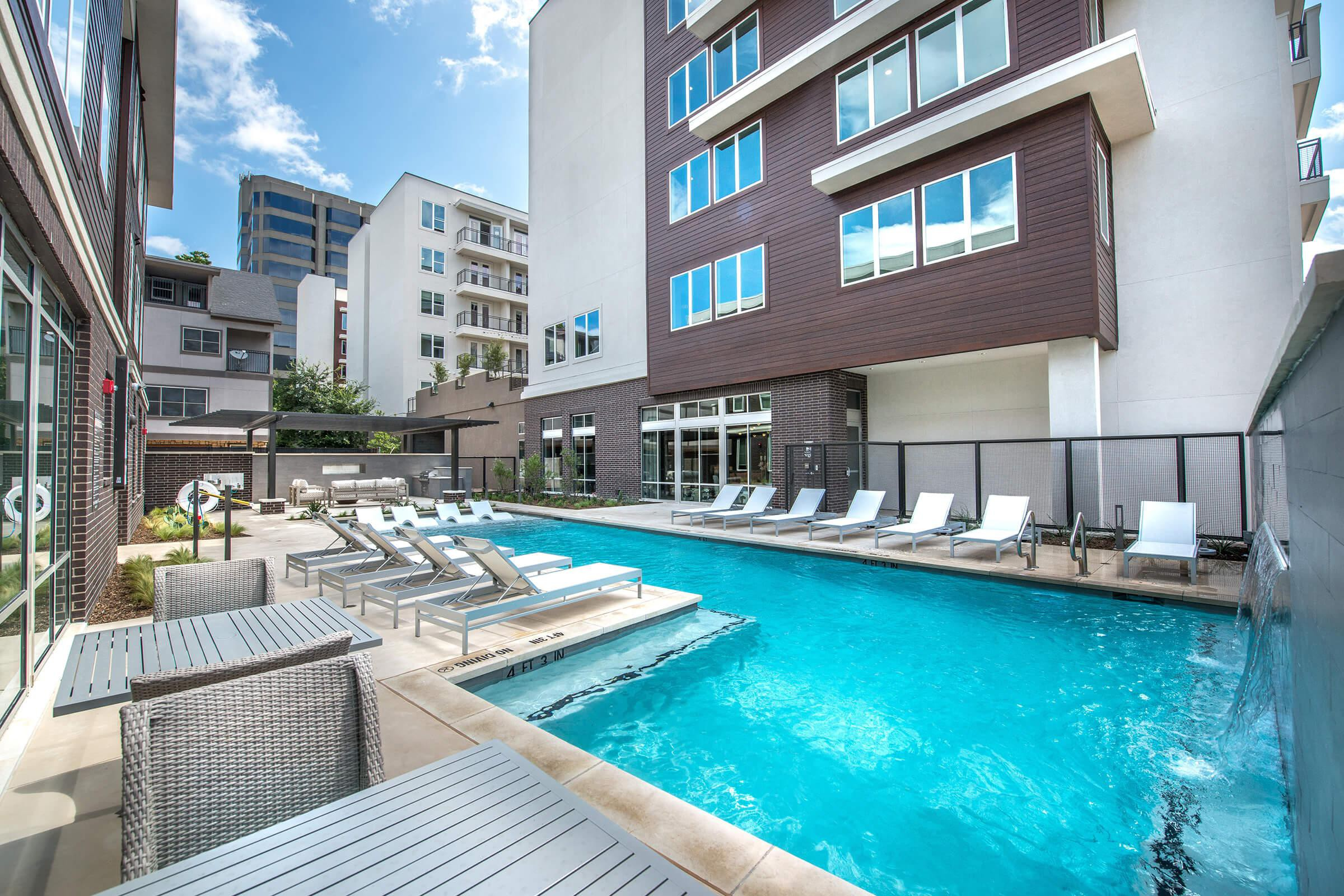 Apartments Near PQC Uptown @ Cole Park for Paul Quinn College Students in Dallas, TX