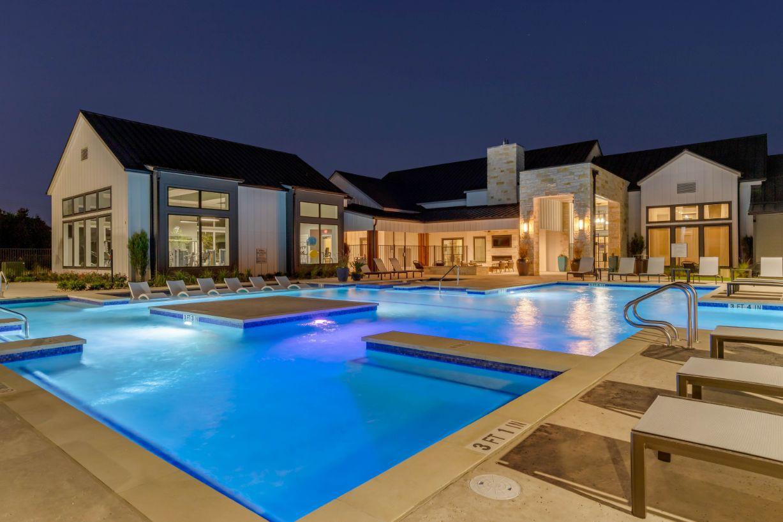 Apartments Near UT Austin East Vue Ranch Apartments for University of Texas - Austin Students in Austin, TX