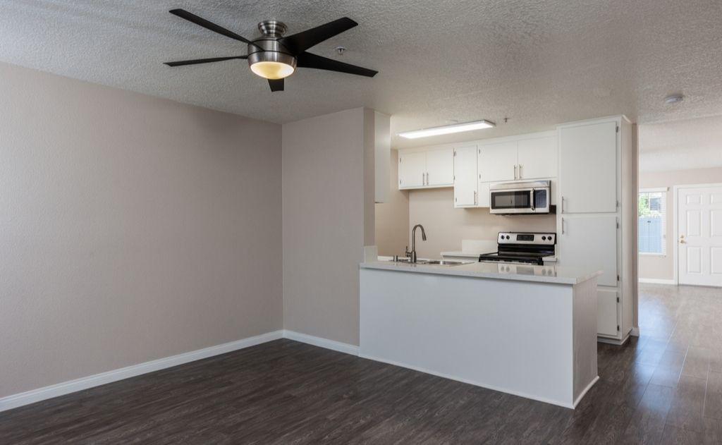 Apartments Near Biola Washington Place for Biola University Students in La Mirada, CA
