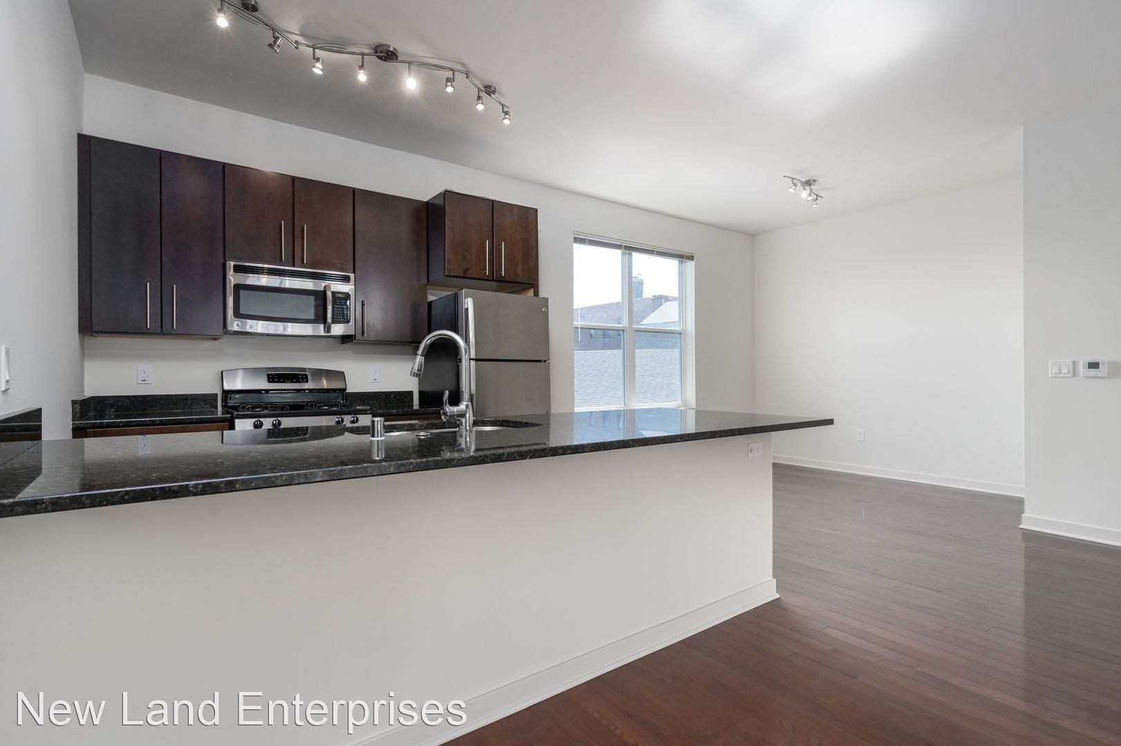 Apartments Near Milwaukee Career College Row House for Milwaukee Career College Students in Milwaukee, WI