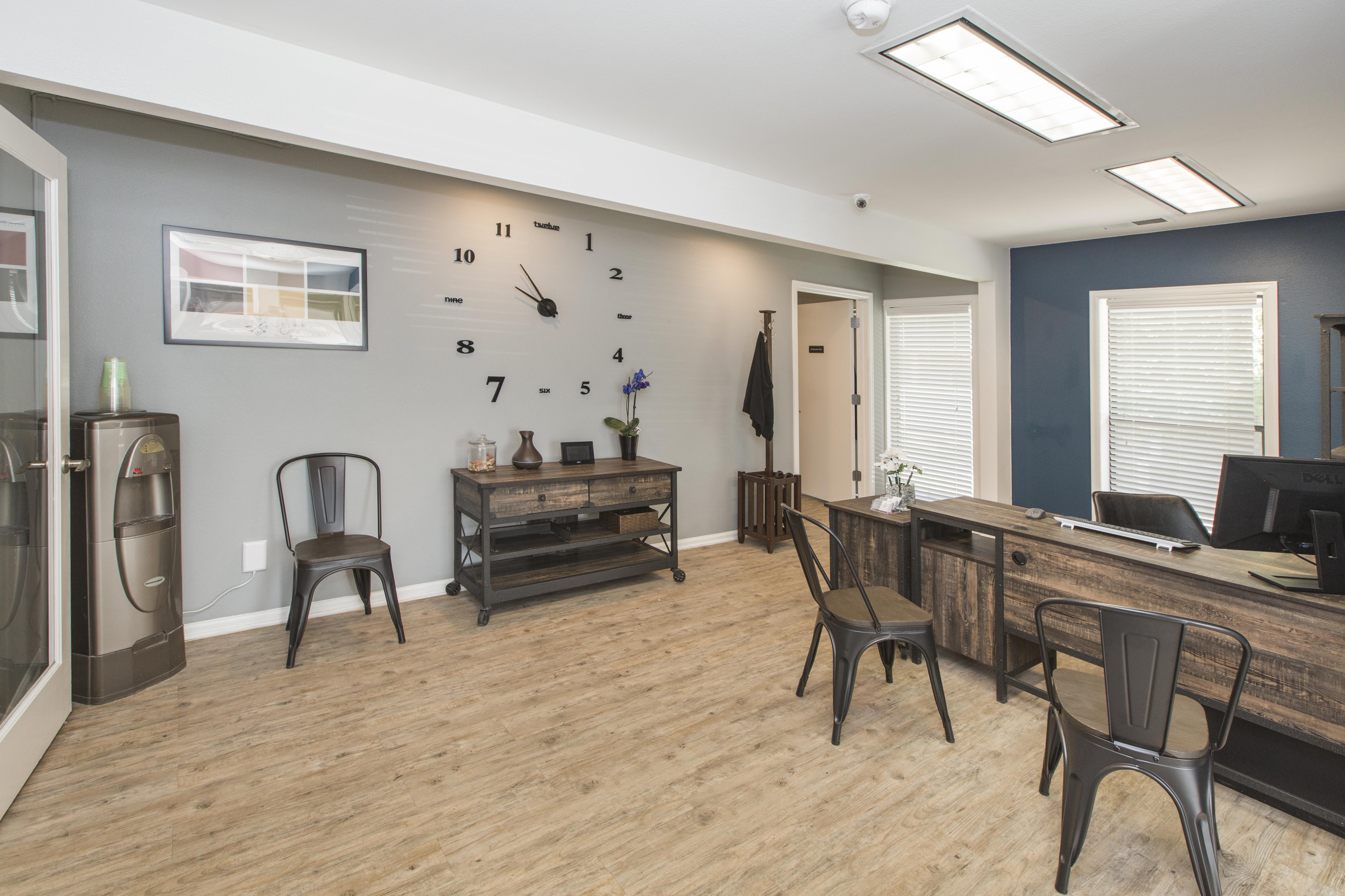 Cheyenne Crest Apartments rental