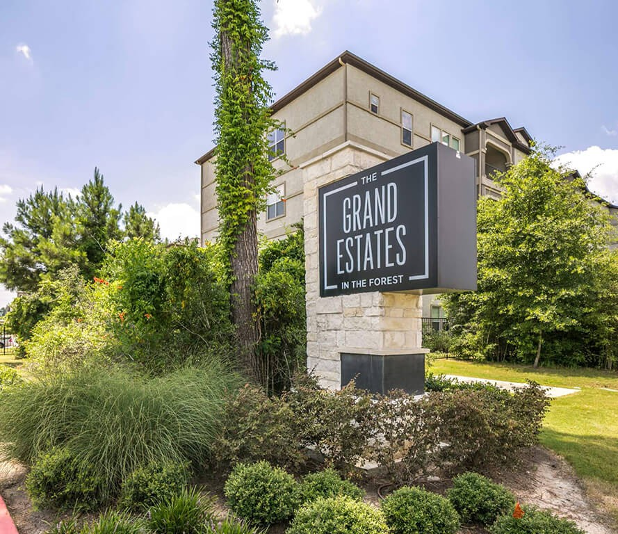 Apartments Near NHMCC Berkshire Jones Forest for North Harris Montgomery Community College Students in The Woodlands, TX