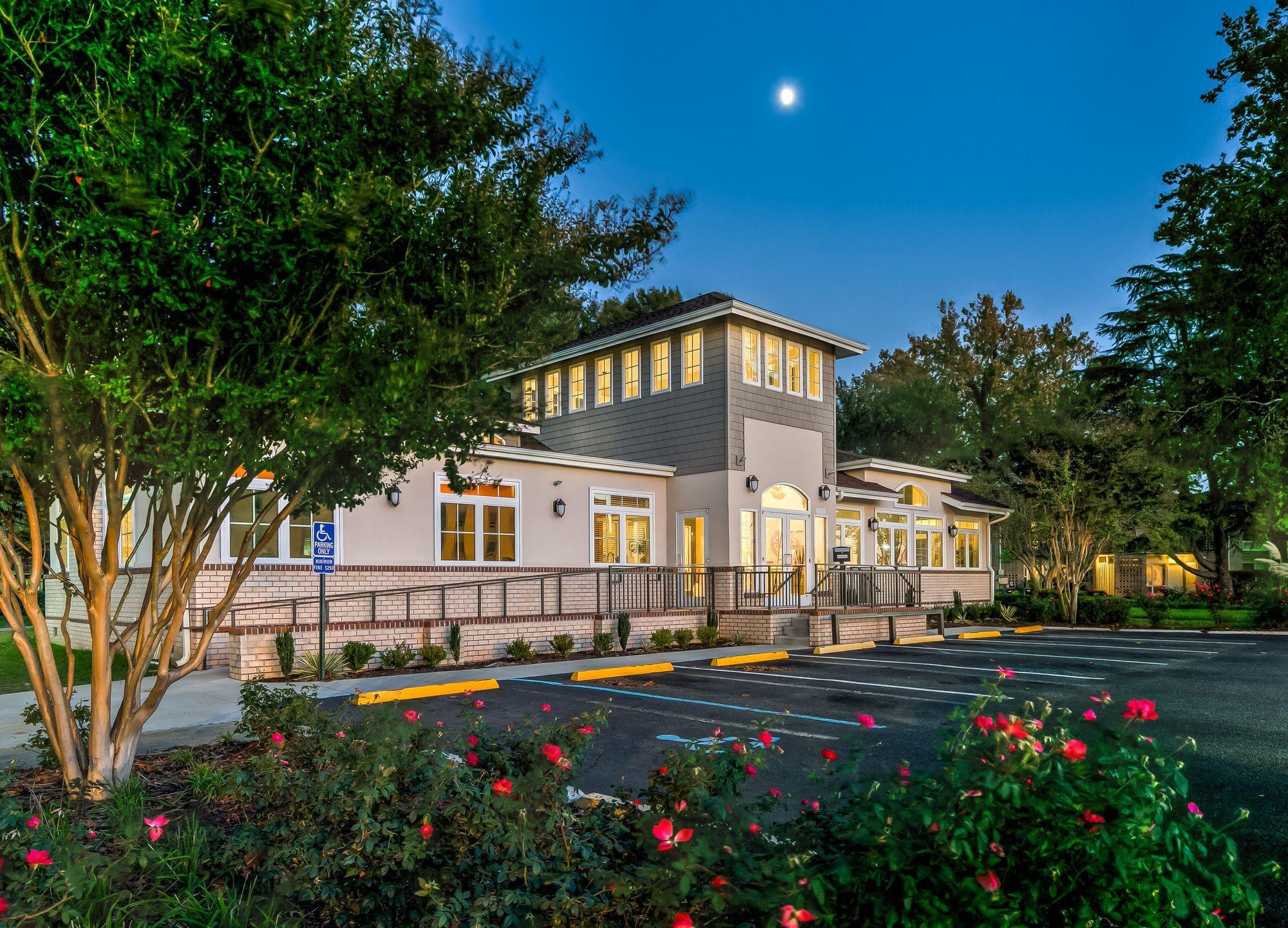 Apartments Near Hampton Peninsula Grove for Hampton University Students in Hampton, VA