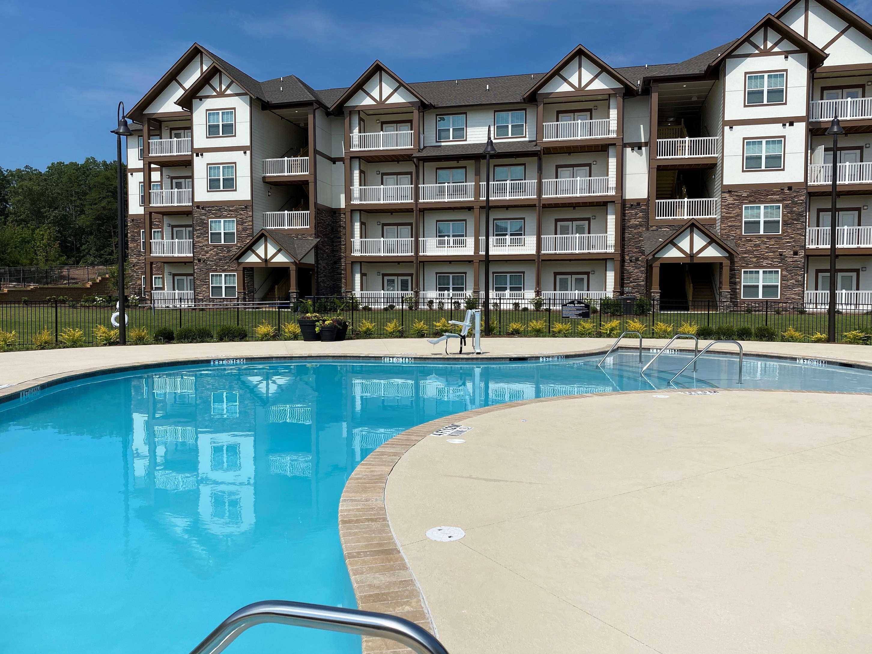 Apartments Near Kennesaw State Legends at Laurel Canyon for Kennesaw State University Students in Kennesaw, GA