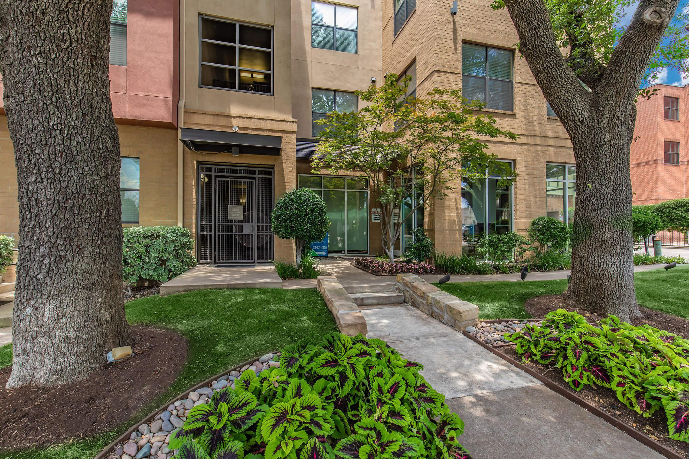 Apartments Near SMU Vue Greenville for Southern Methodist University Students in Dallas, TX