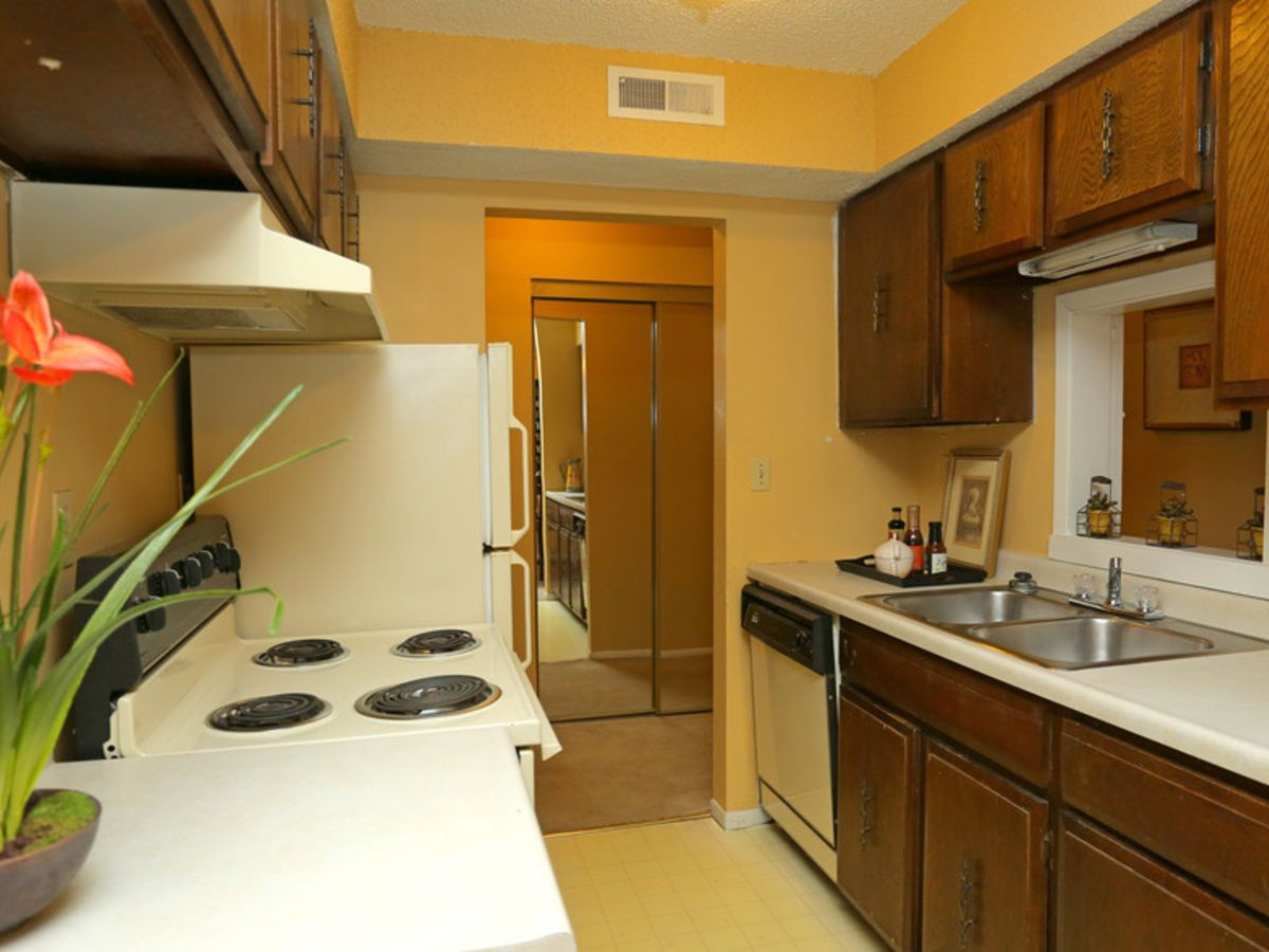 Apartments Near Friends Villa Del Mar for Friends University Students in Wichita, KS