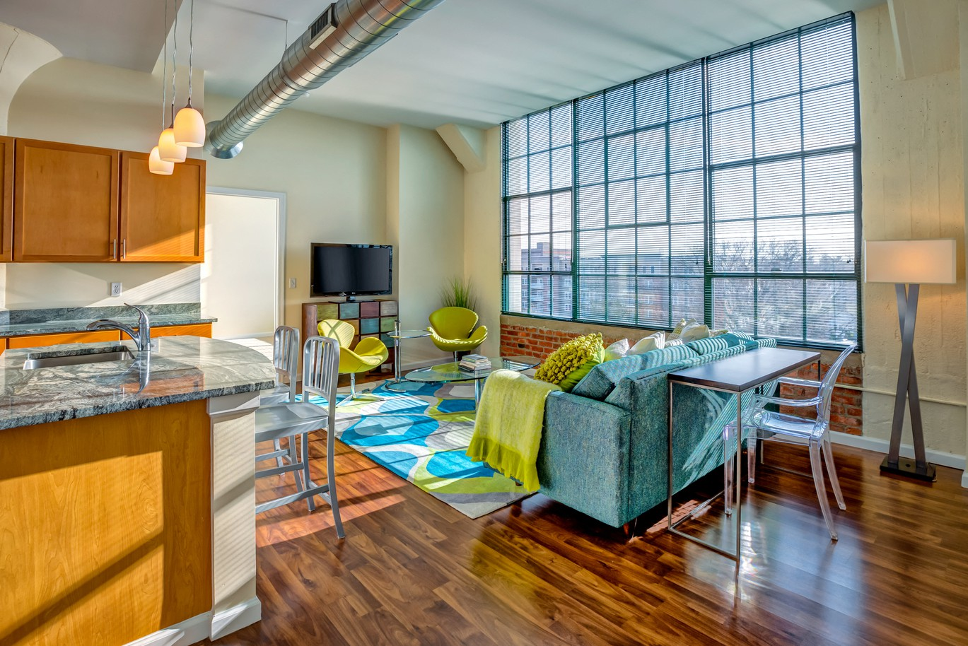 Apartments Near Manhattanville The Lofts at Yale & Towne for Manhattanville College Students in Purchase, NY