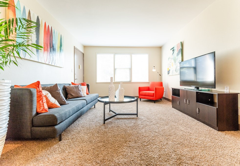 Apartments Near UW Cadence for University of Washington Students in Seattle, WA