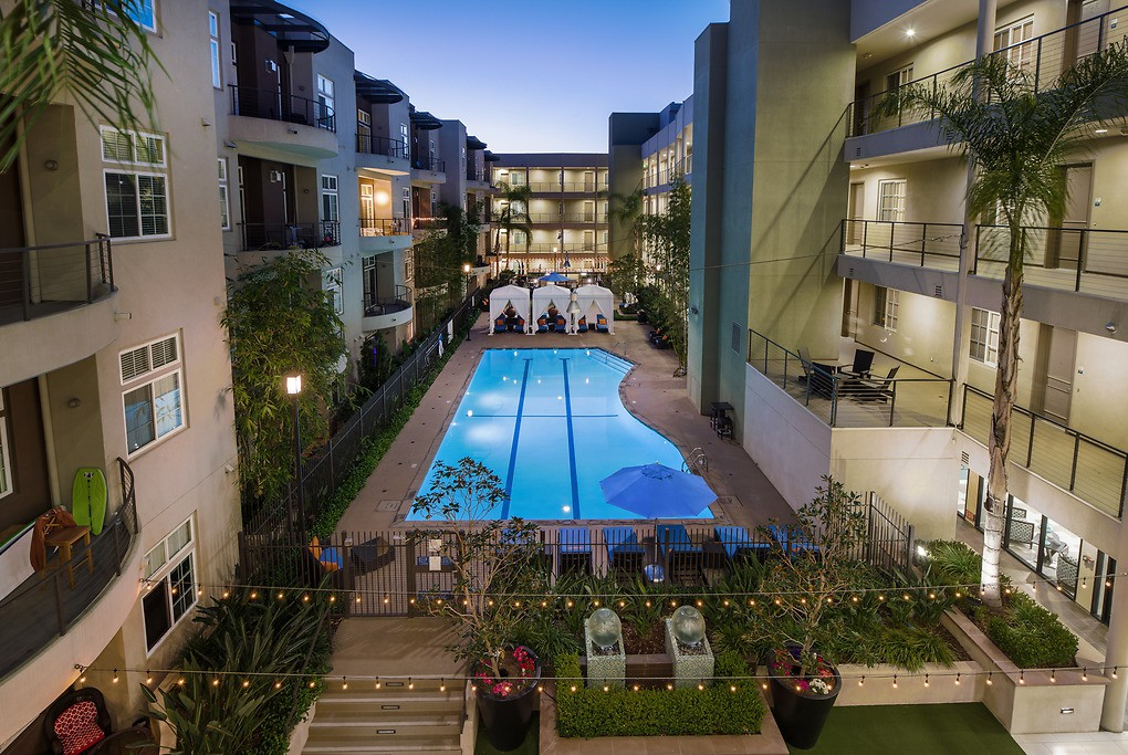 Apartments Near UC Irvine Axis 2300 for University of California - Irvine Students in Irvine, CA