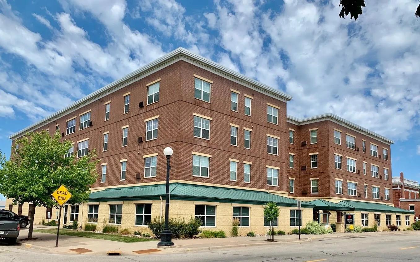 Apartments Near UW-La Crosse Michael Heights for University of Wisconsin-La Crosse Students in La Crosse, WI