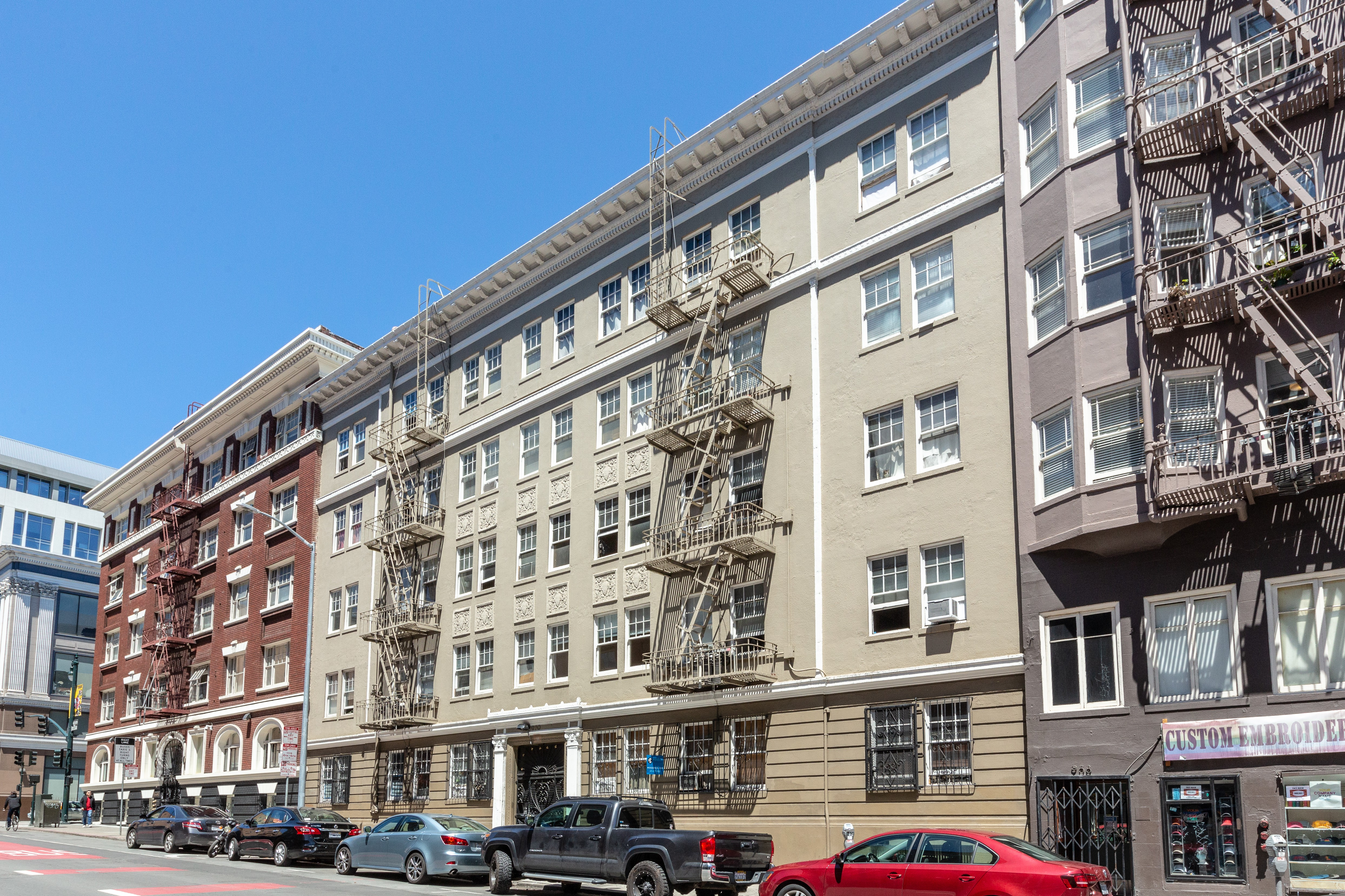 Apartments Near Dominican 970 Geary for Dominican University of California Students in San Rafael, CA