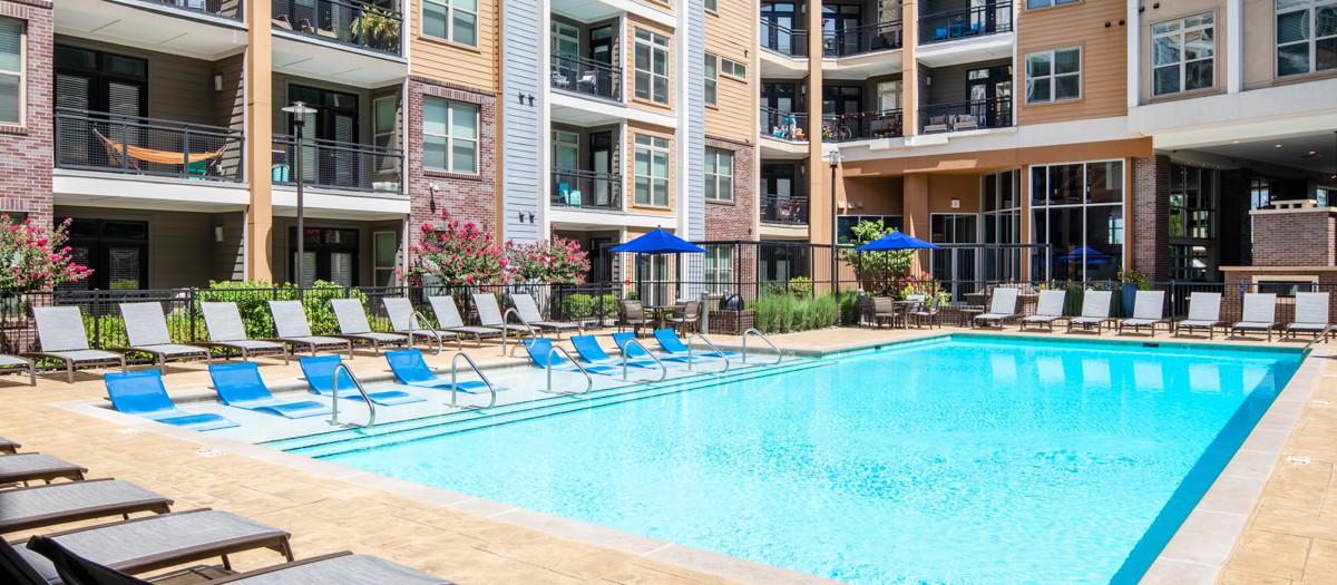 Apartments Near Vanderbilt Charlotte at Midtown for Vanderbilt University Students in Nashville, TN