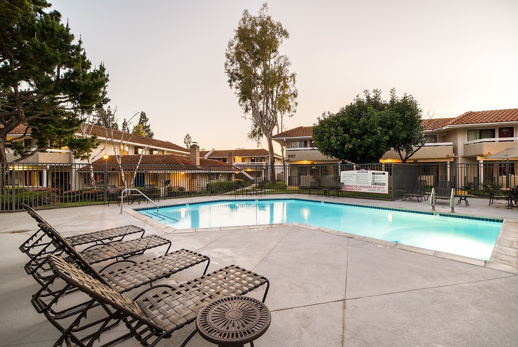 Apartments Near CSUCI Camarillo Oaks for California State University Channel Islands Students in Camarillo, CA