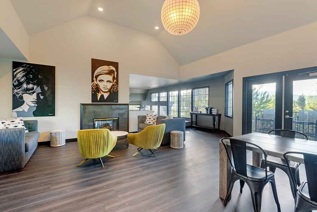 Apartments Near CPU Carmel Summit for California Pacific University Students in Escondido, CA