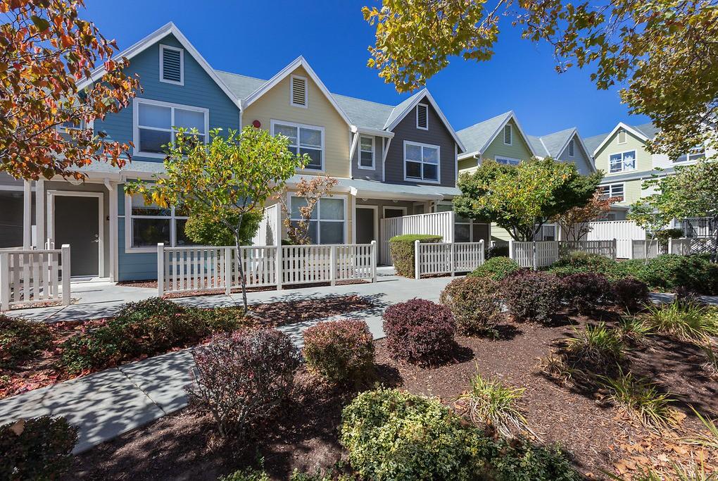Apartments Near FBU Chestnut Street for Five Branches University Students in Santa Cruz, CA