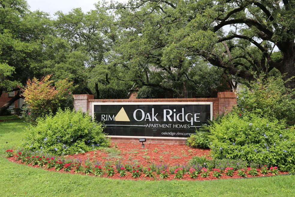 Apartments Near Trinity Oak Ridge Apartments for Trinity University Students in San Antonio, TX
