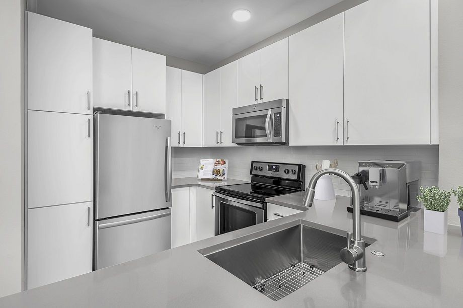 Apartments Near Queens Camden South End for Queens University of Charlotte Students in Charlotte, NC