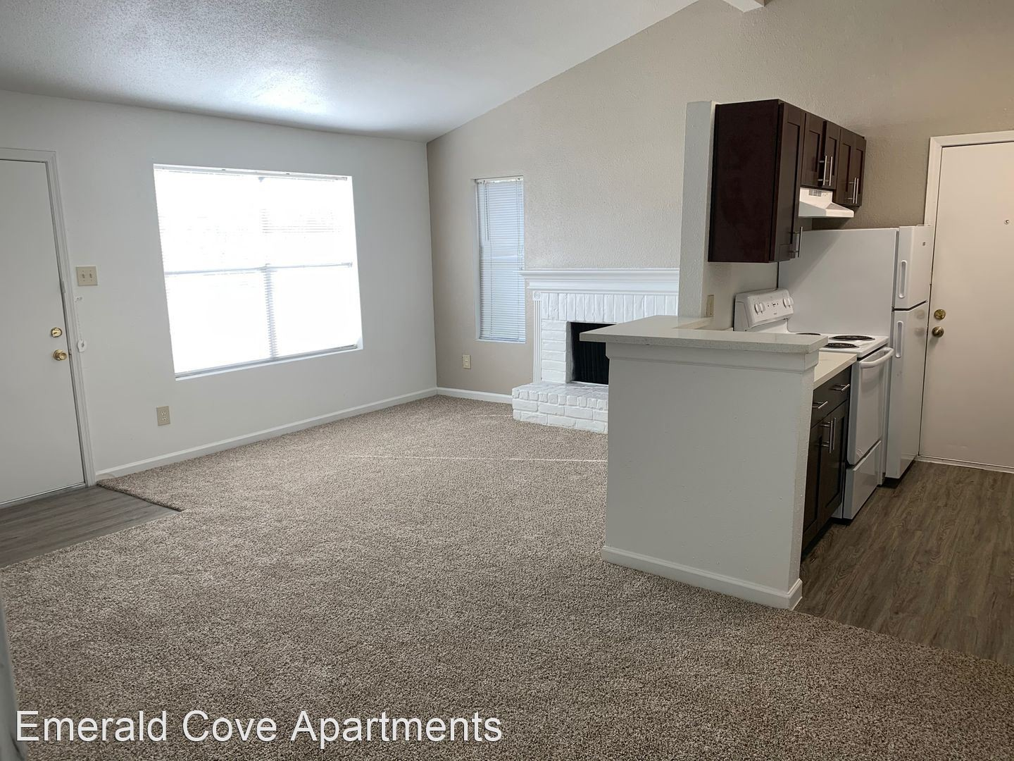 Apartments Near NHMCC Emerald Cove for North Harris Montgomery Community College Students in The Woodlands, TX