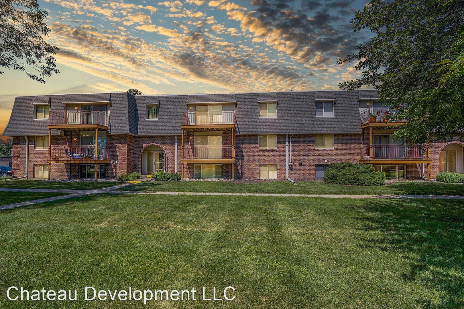 Apartments Near Nebraska Chateau LaFleur for Nebraska Wesleyan University Students in Lincoln, NE