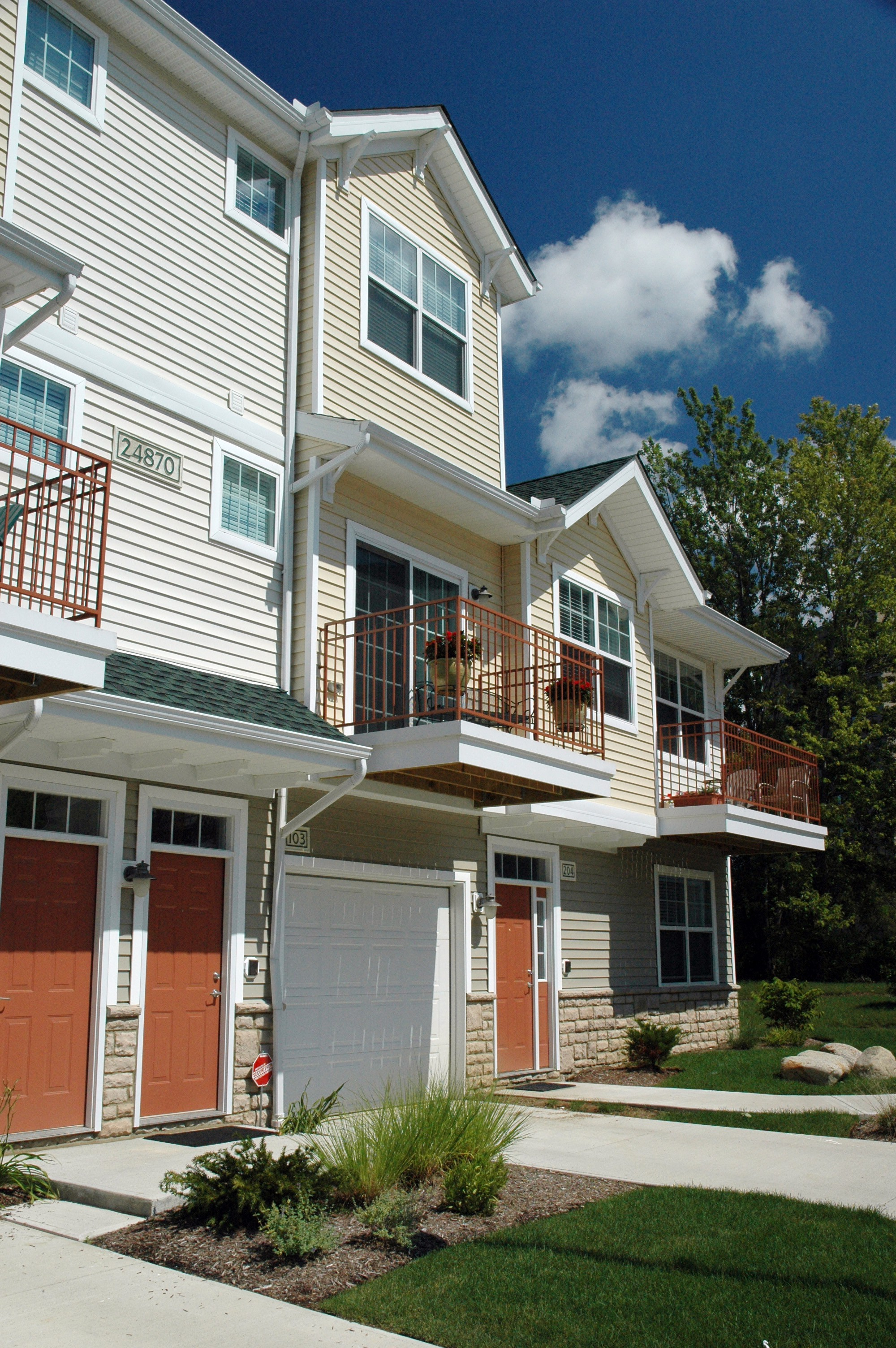 Apartments Near Ohio The Enclave at Kennedy Ridge for Ohio Students in , OH