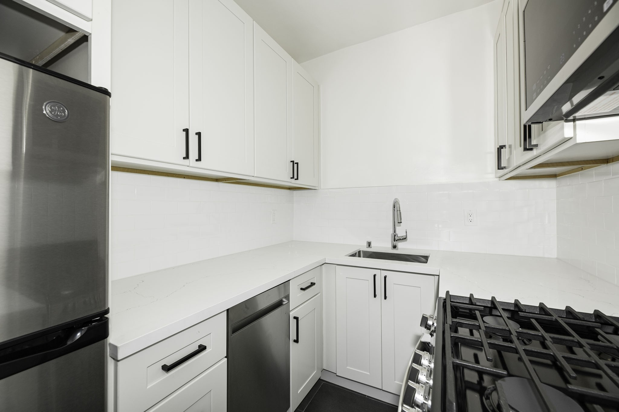 1030 Larkin rental