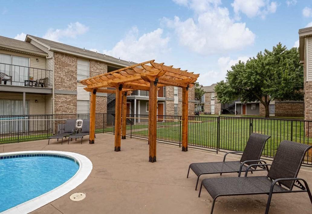 Apartments Near OCCC Broadmoor 24 for Oklahoma City Community College Students in Oklahoma City, OK