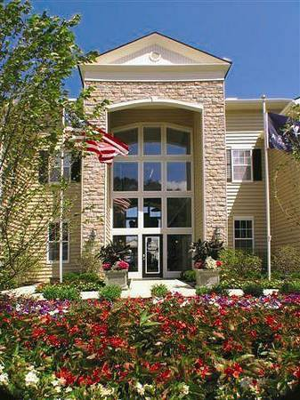 Apartments Near OWU NorthPark Place in Polaris - BY APPOINTMENT ONLY - North Columbus, Ohio. for Ohio Wesleyan University Students in Delaware, OH