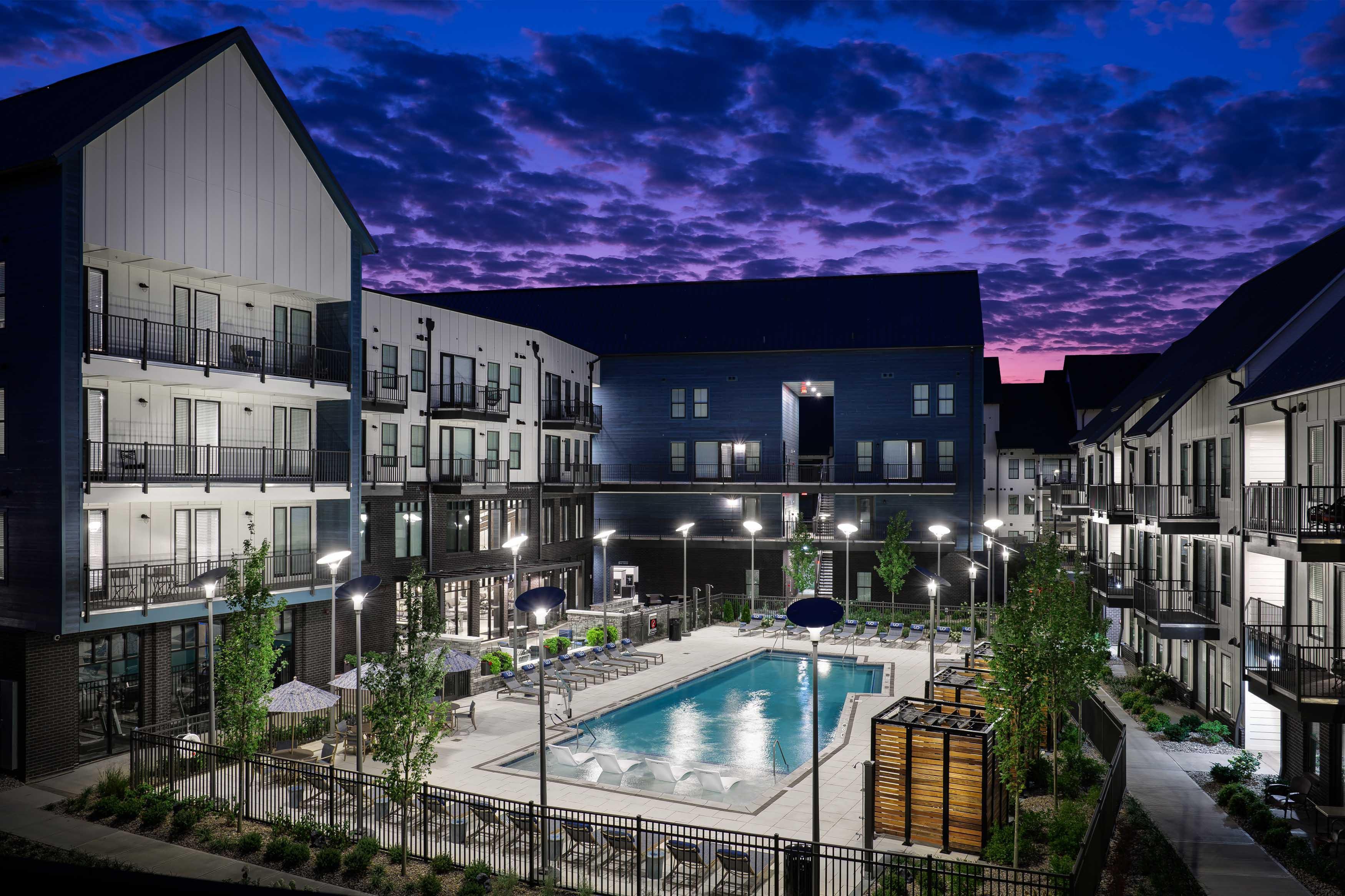Apartments Near Kentucky Upton Oxmoor Apartments for Kentucky Students in , KY