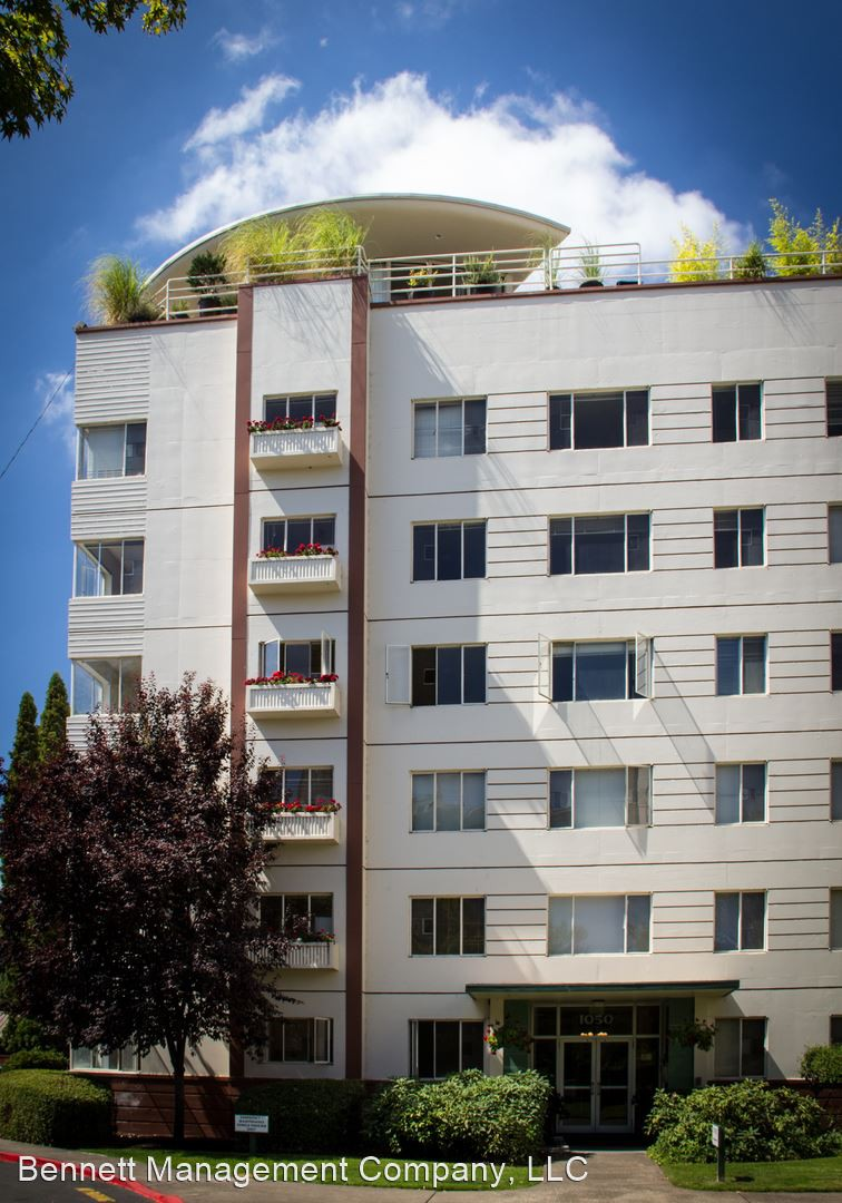 Apartments Near University of Oregon Eugene Manor for University of Oregon Students in Eugene, OR