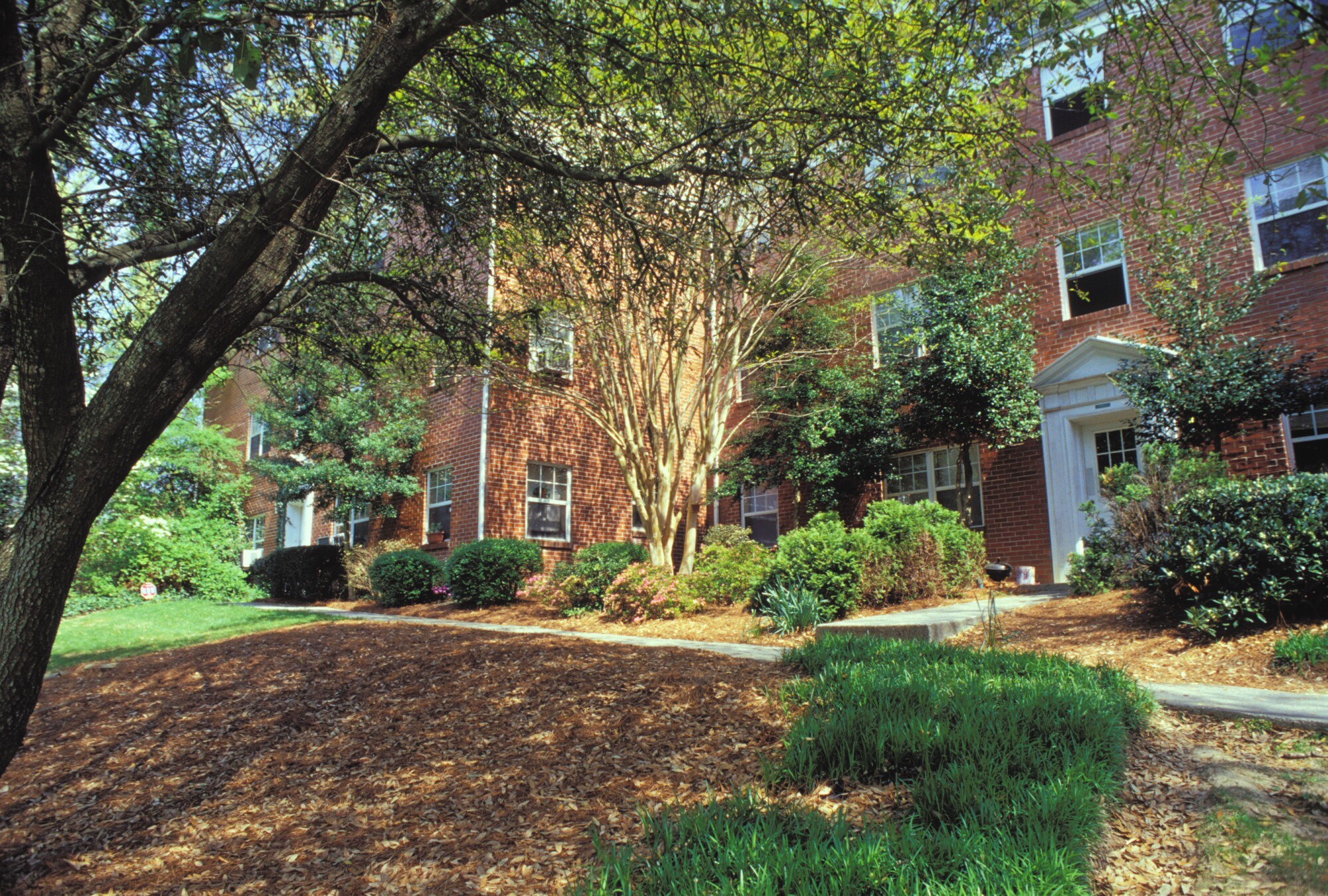 Oak Knoll Apartments